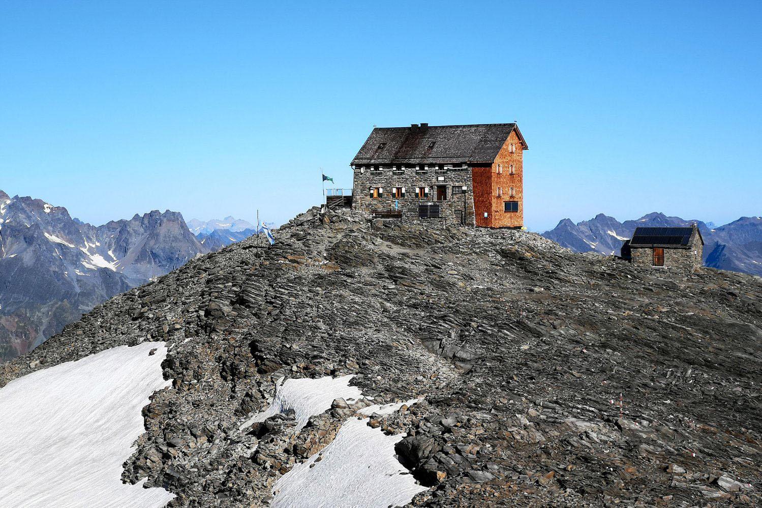 Die Hochstubaihütte (3.175 m)