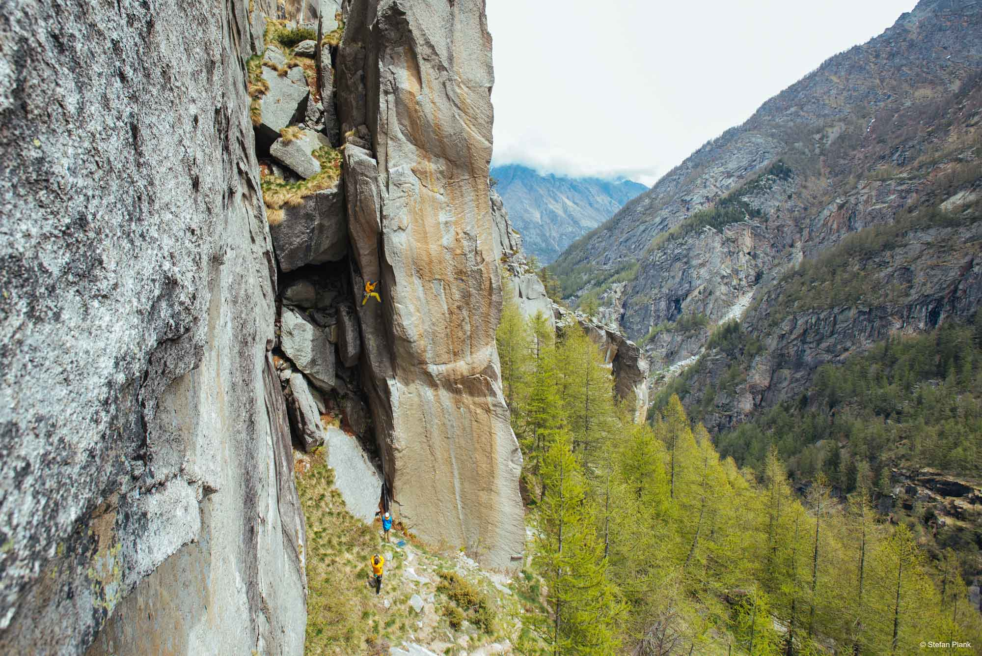 ALPINIST: Rissklettern im Valle del Orco