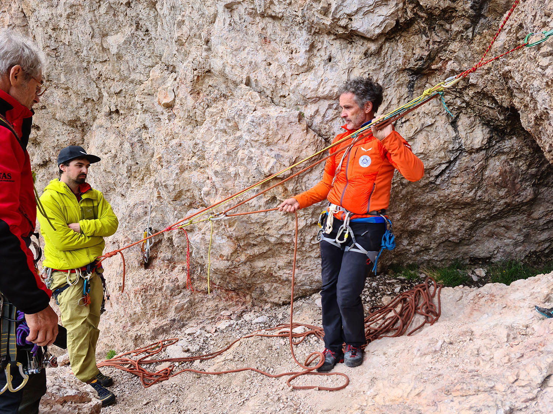 Weiterbildung Fels – alpine Führungskräfte frischen ihr Wissen auf