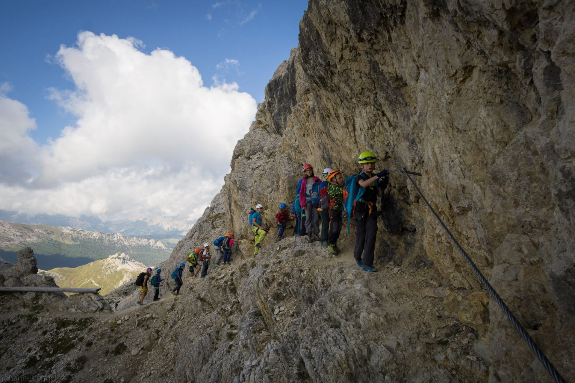 Über Drahtseile zum Gipfel: Klettersteiggehen in Südtirol