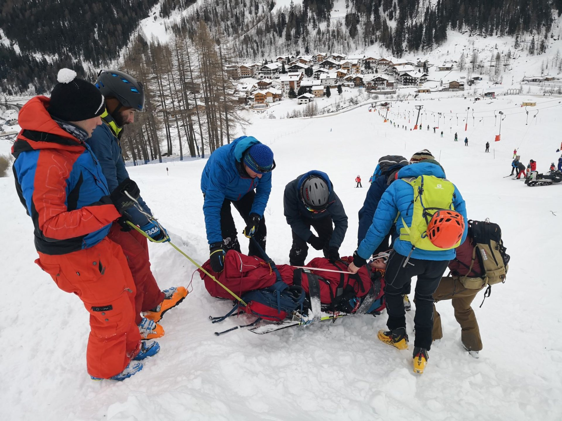 Bergsteigertipp: Skischlitten & Biwacksack-Verschnürung