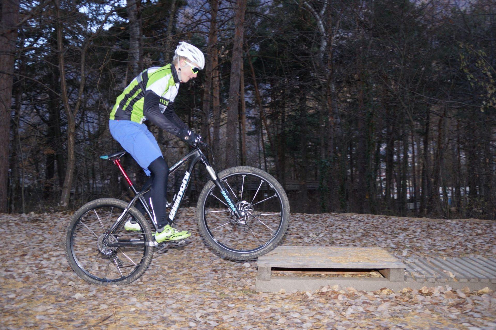 Bergsteigertipp MTB Hindernis 03 I (c) OetziBikeAcqademy