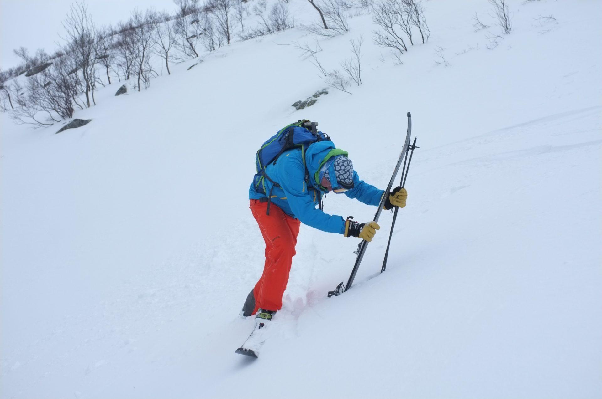 Bergsteigertipp Ski ausziehen 2 I (c) Peter Plattner