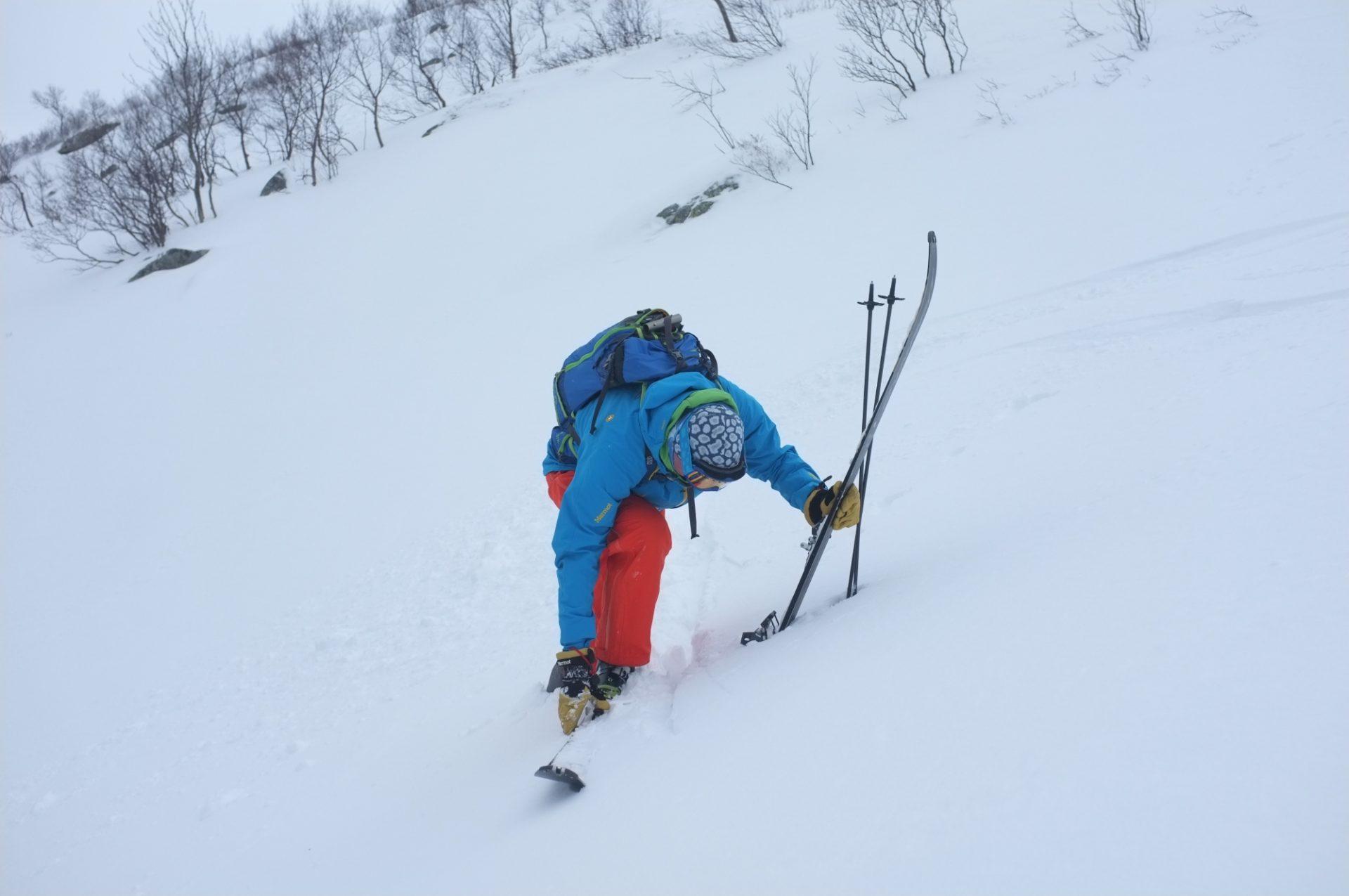 Bergsteigertipp Ski ausziehen 3 I (c) Peter Plattner