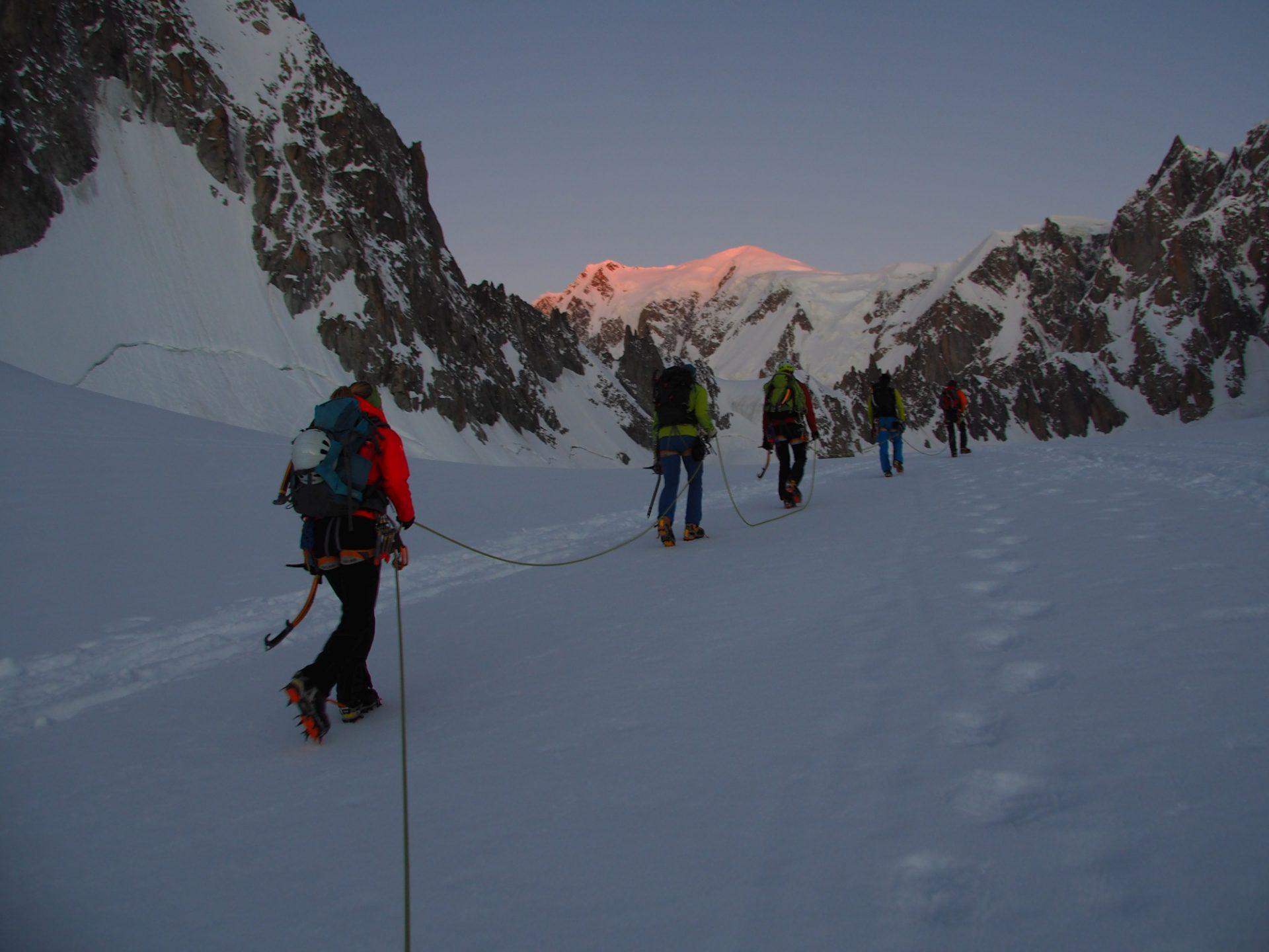 Bergsteigertipp: Unterwegs mit Steigeisen
