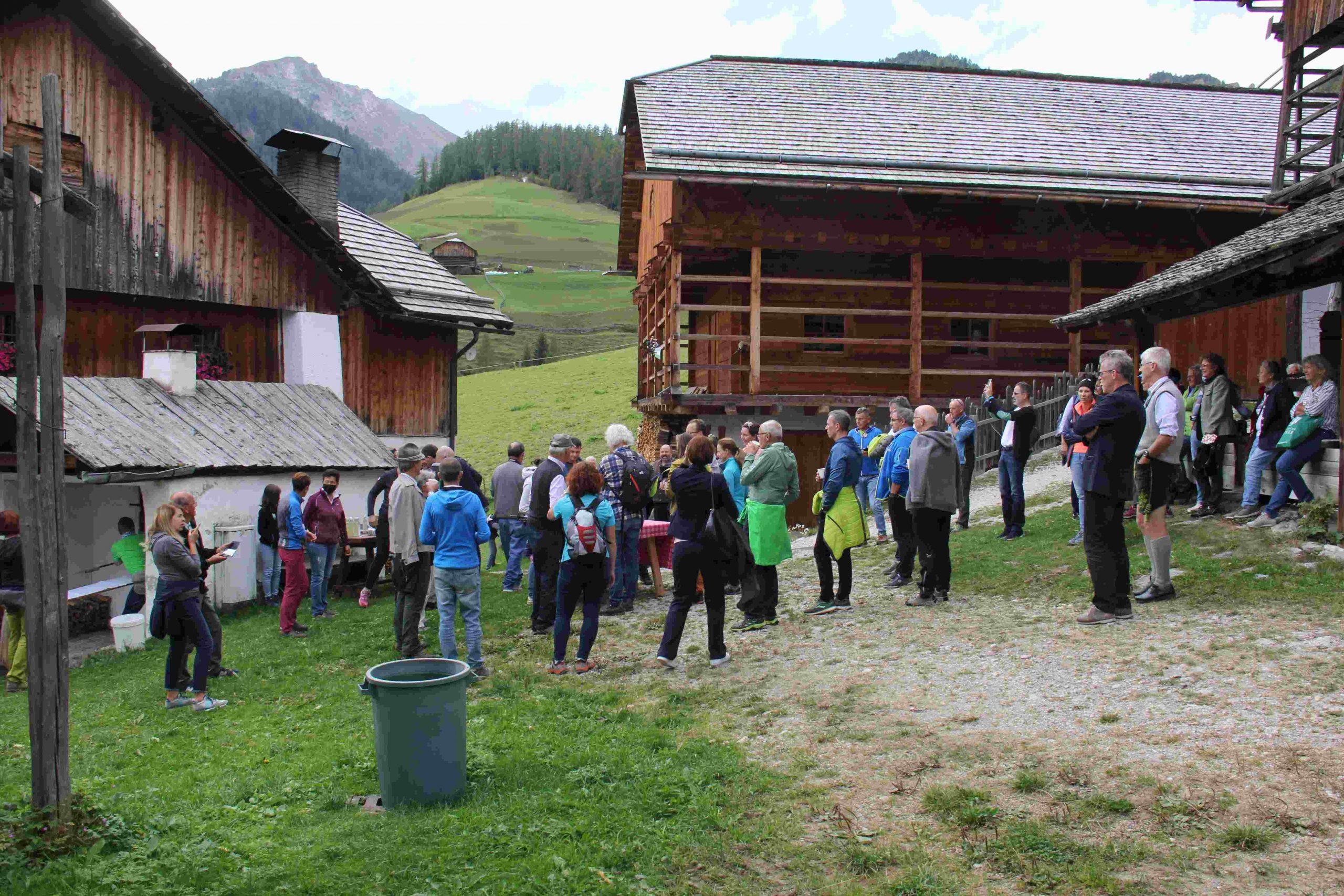 Besichtigung Vila Seres I ©Leonhard Draschl I Bergsteigerdörfer